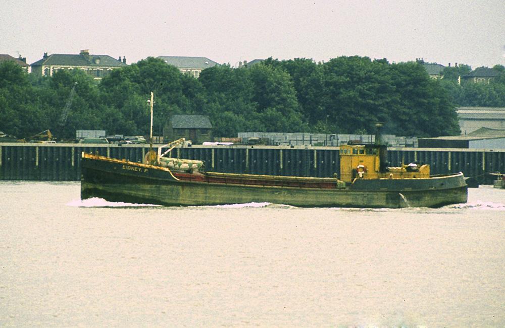 As SIDNEY P, photo by Derek Sands passing Tilbury on 27/6/1983
