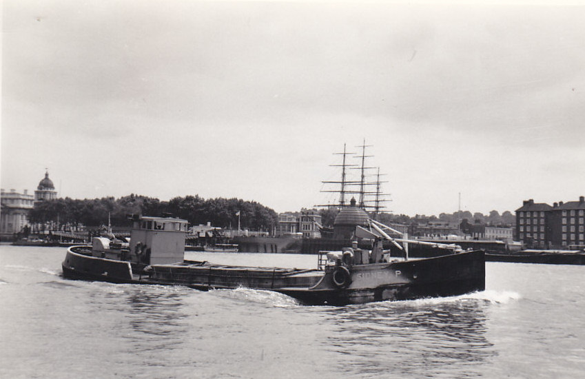 As SIDNEY P  passing Greenwich on 29/6/1968