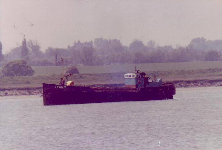 As DAVID J in the Colne off Brightlingsea on 31/5/1983 by Ian Hardie
