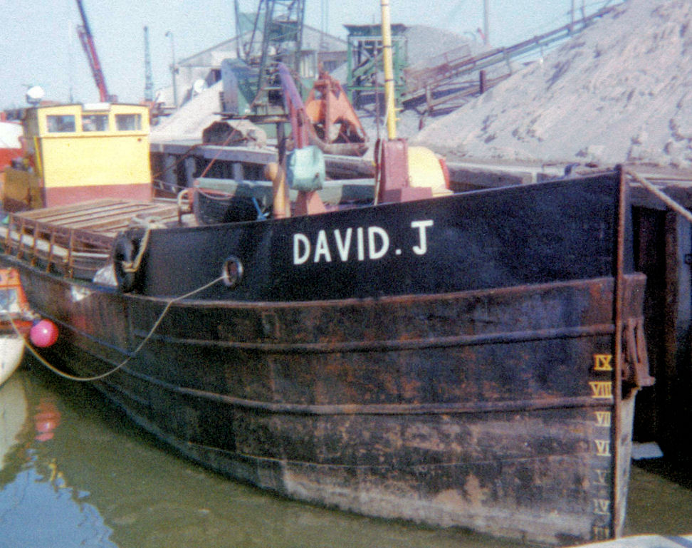As DAVID J in 1983, photo by Ted Ingham, unloading sand at Whitstable