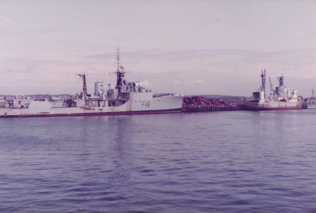 HMS Dundas