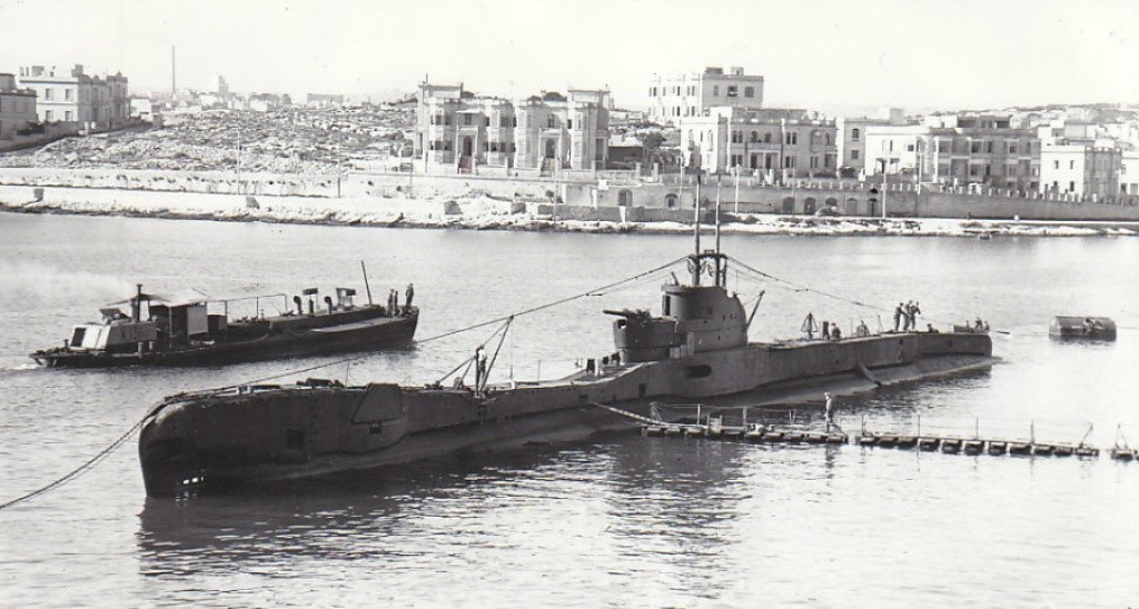 X.131 at Malta with H.M.S. TAKU in January 1943