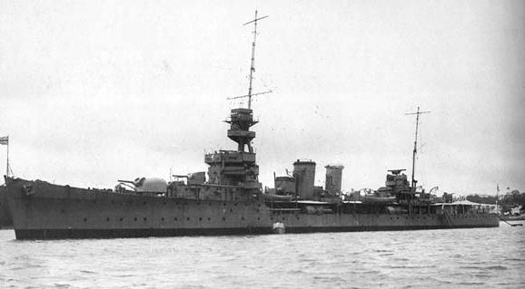HMS_Diomede_1938