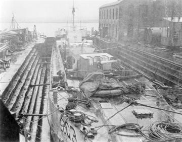 LCG 3 in McLeod & Sons Dry-Dock, Alloa, in October 1944