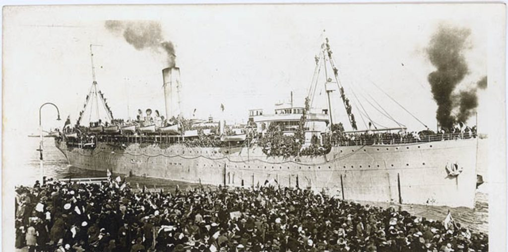 Thermistocles departing Sydney for Egypt with troops - 1915