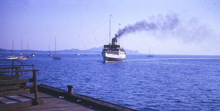 Duchess of Hamilton approaching Fairlie Pier